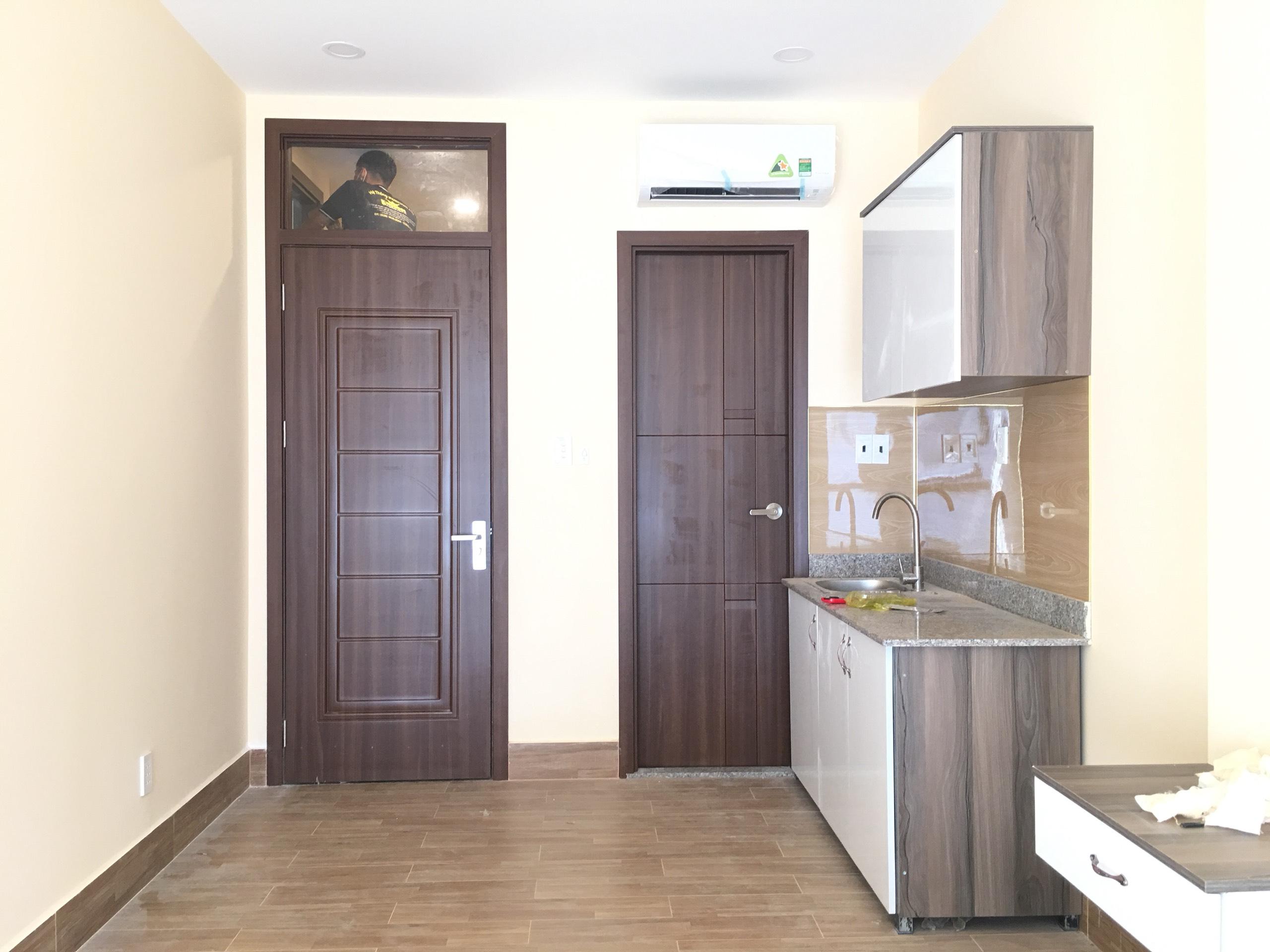 Cửa thường được sử dụng chuyên cho cửa phòng và cửa wc