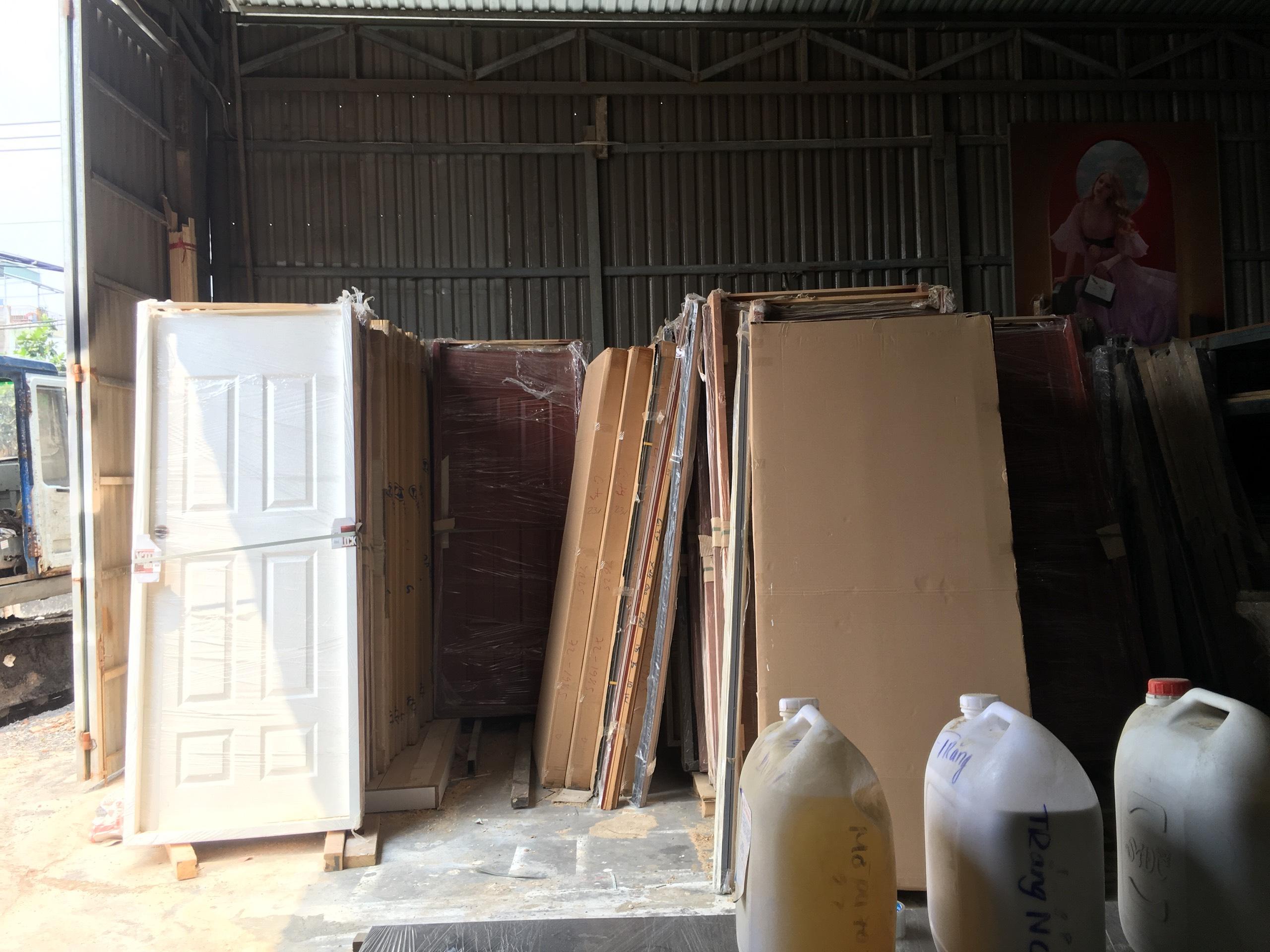 Xưởng sản xuất cửa gỗ công nghiệp uy tín Kingdoor