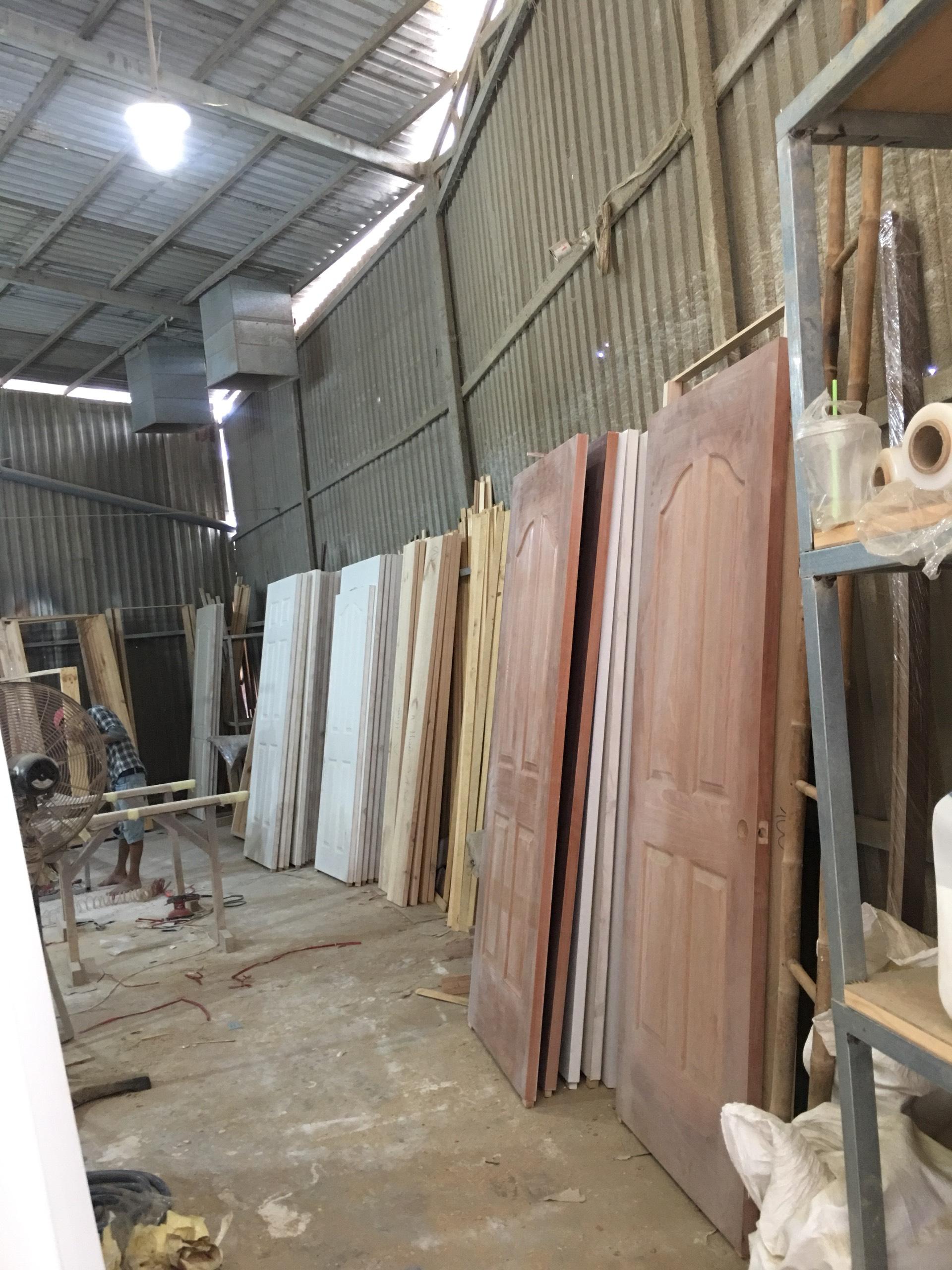 Xưởng sản xuất cửa gỗ công nghiệp Kingdoor
