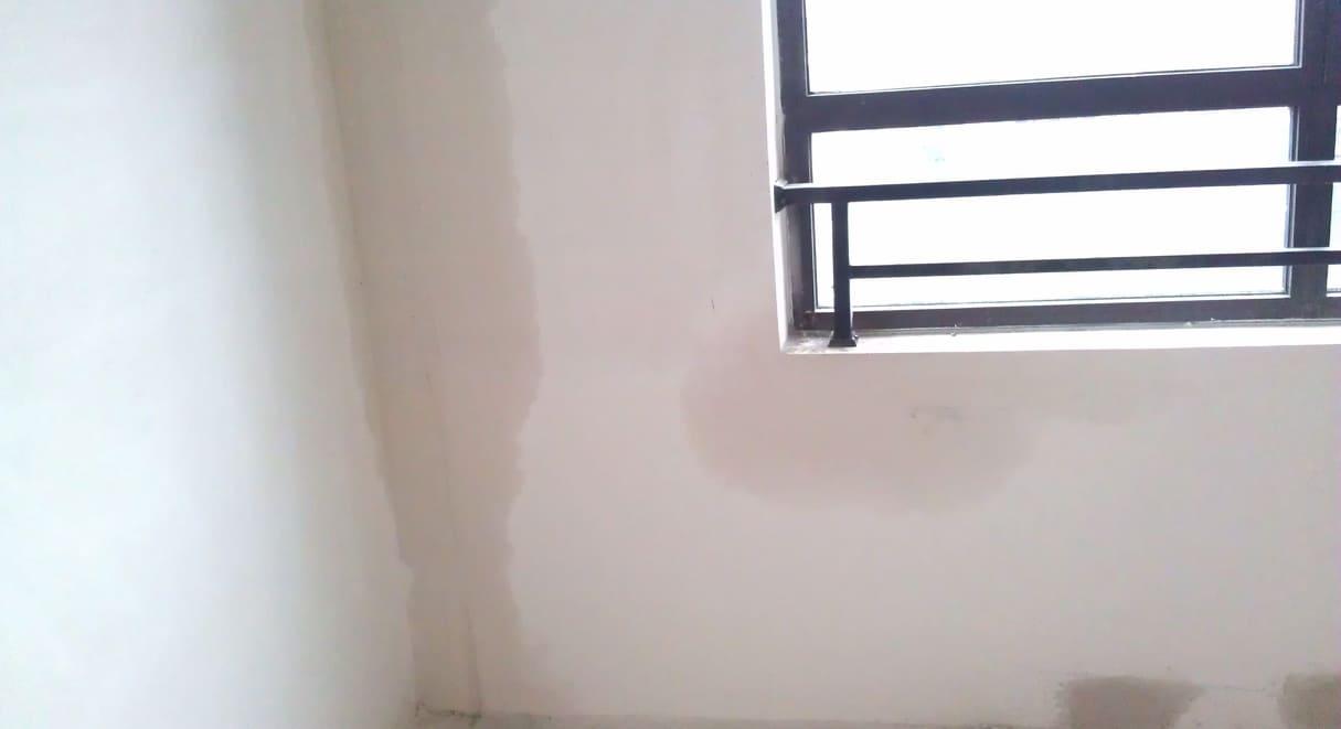 Nỗi đau nghiệm thu khi tường bị thấm