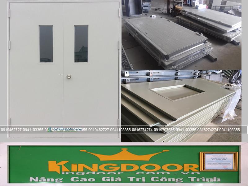 Cửa thoát hiểm tại xưởng của công ty Kingdoor