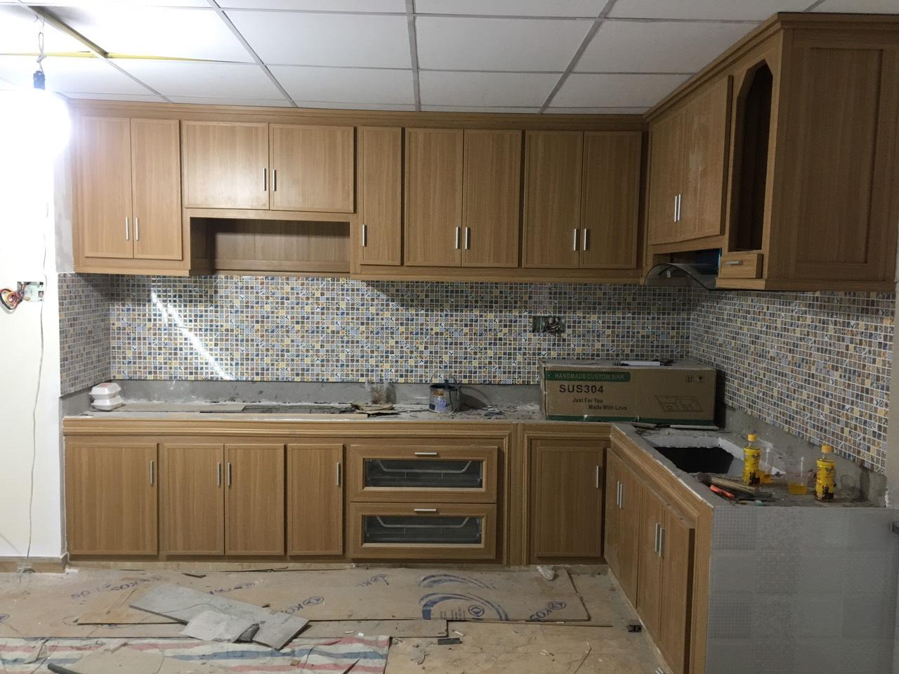 Tủ bếp nhựa mới thi công cho khách tại quận 2