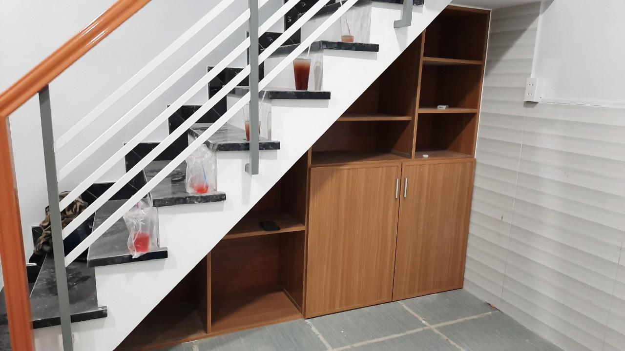 Kệ sách nhựa gỗ