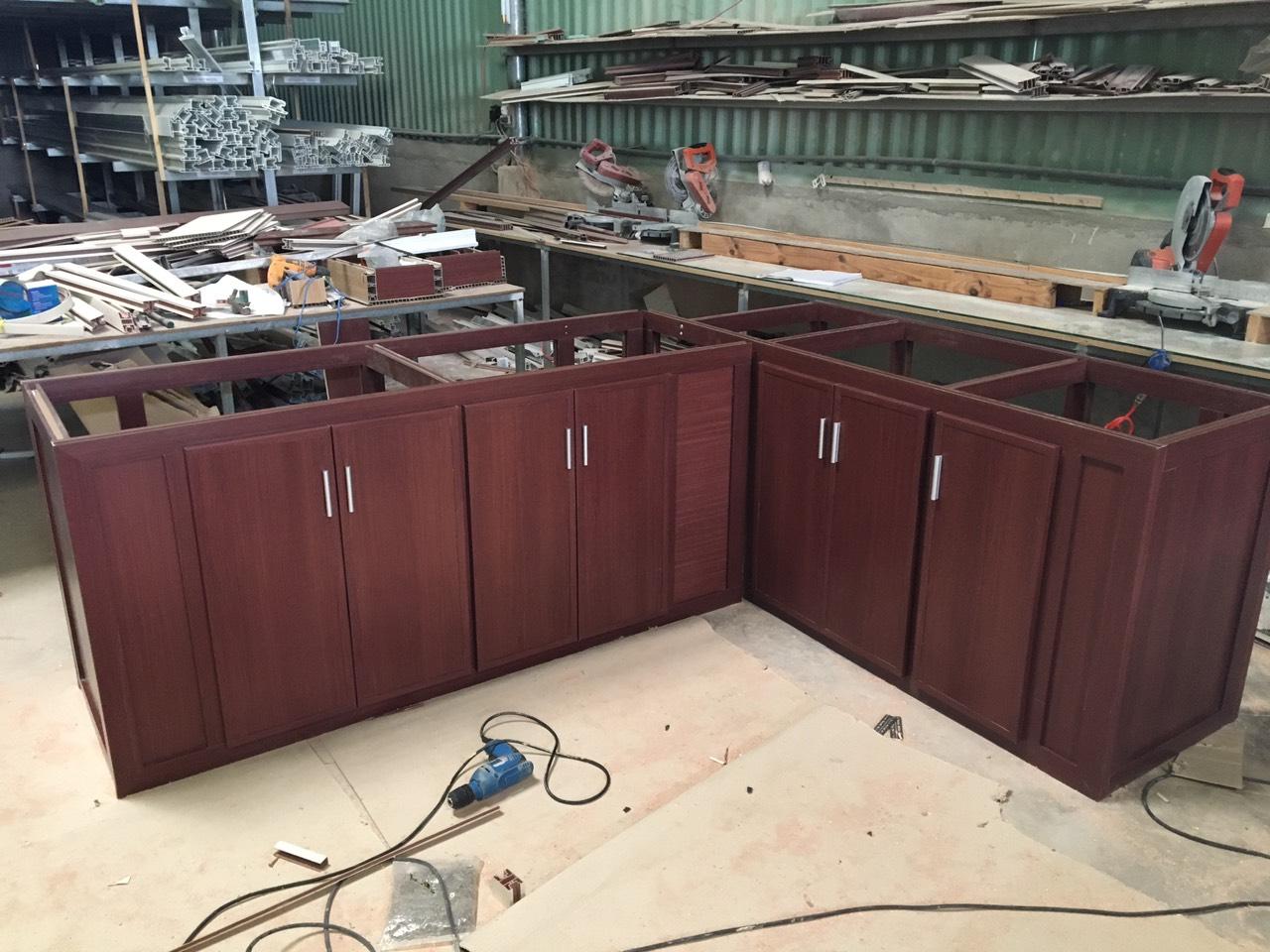 Tủ bếp gia công tại xưởng