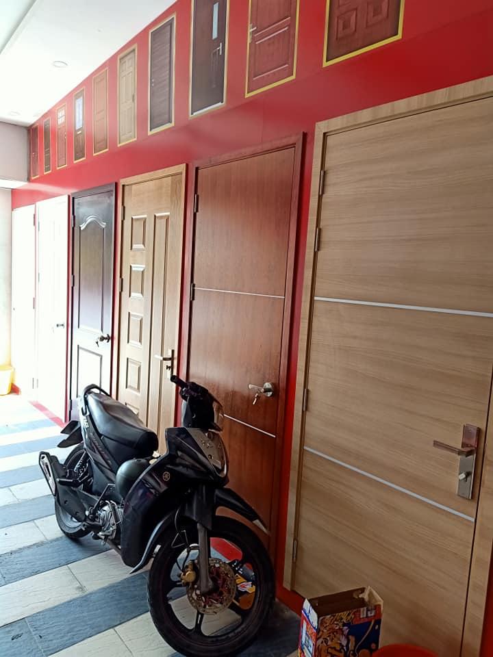 Một số mẫu cửa gỗ công nghiệp trưng bày tại Showroom